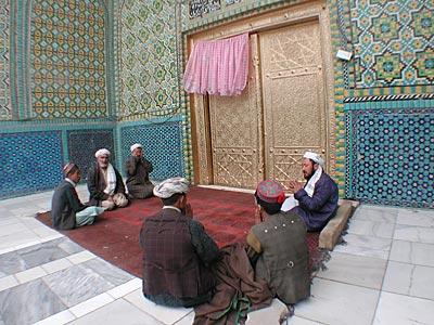 扉の前の祈り