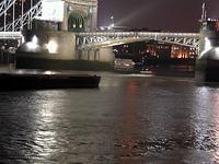 夜の川(なんか演歌みたいなキャプションやな)